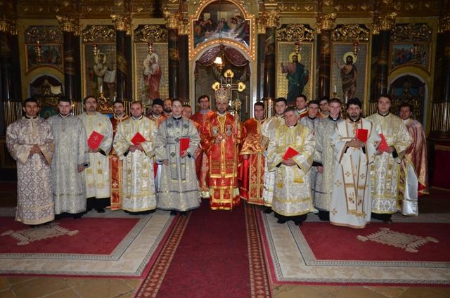 """Hramul Catedralei """"Sfântul Nicolae"""" din Oradea cu hirotesiri de lectori si ipodiaconi,"""