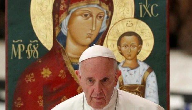 Papa îi încurajeaza pe preotii greco-catolici casatoriti: o marturie exemplara,